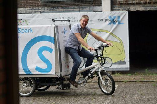 Lichtgewicht voertuig voor vracht binnen de stad vermindert CO2 uitstoot